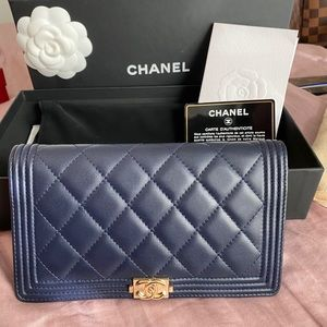 🌸AUTHENTIC Chanel Boy Long Flap Wallet GHW